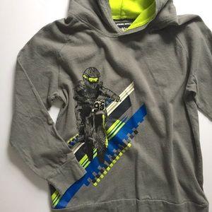 Osh Kosh / tee shirt hoodie